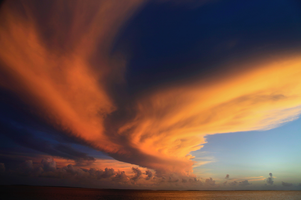 Bahamian sky at sunset. (Photo: Jeff Carmel)